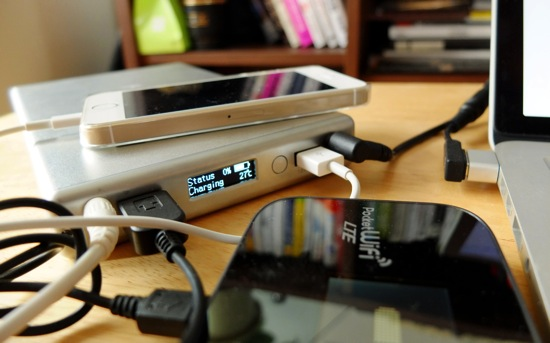 Hyperjuice2でMac、スマホ、モバイルWi-Fiの3台を充